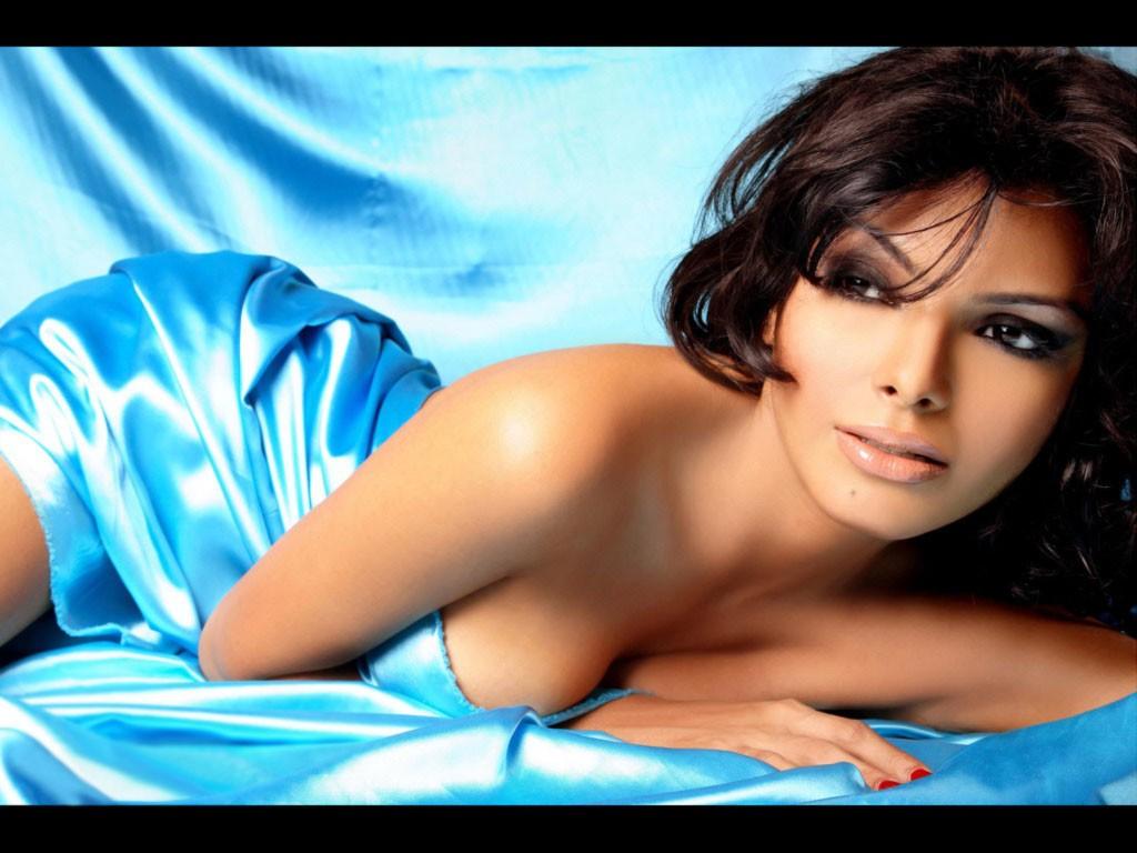 Mona Chopra Hot Wallpapers  Hot Photos Hub-5752