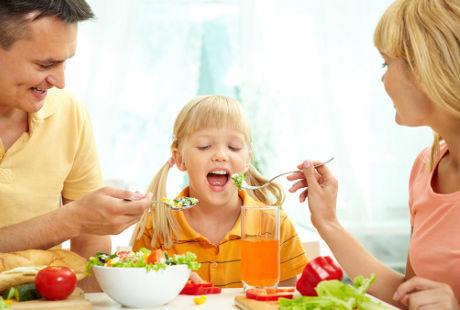 Inilah Jenis Makanan Untuk Mendukung Tumbuh Kembang Anak