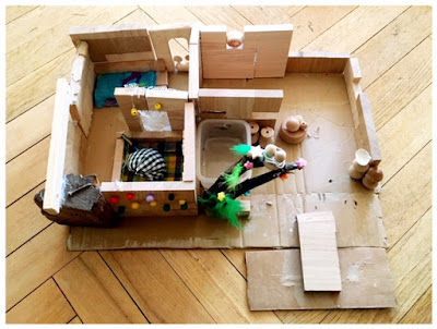 selbst gebaute Puppenstube