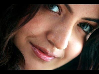 Anushka Sharma Normal Resolution HD Wallpaper