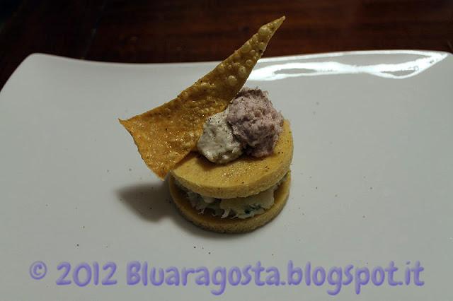 Polenta e baccalà con due mousse e chips di polenta soffiate