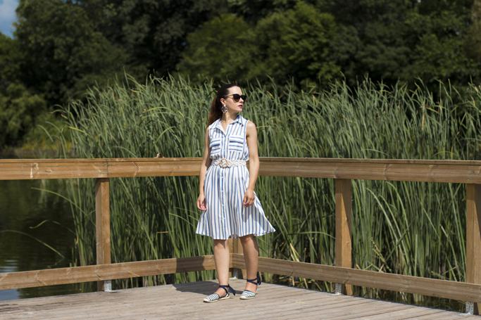 adina nanes rochia cu dungi verticale