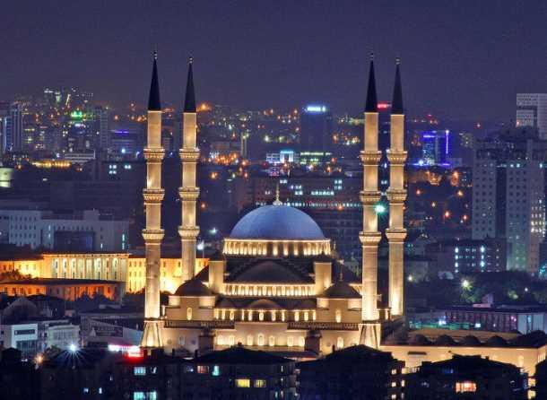Inilah Kocatepe Masjid Termegah di Turki dengan Kubah Emas