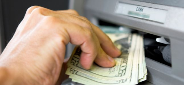 Dicas para Ficar Seguro ao usar Caixas Eletrônicos ATMs