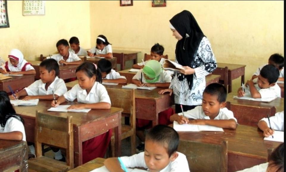 Tunjangan PNS Guru Belum Sertifikasi