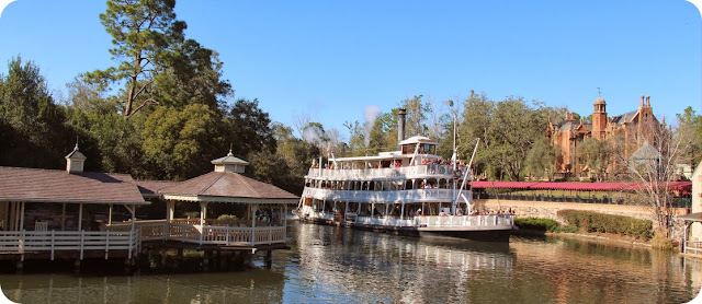 Magic Kingdom Park / Cruzeiro Liberty Square Riverboat