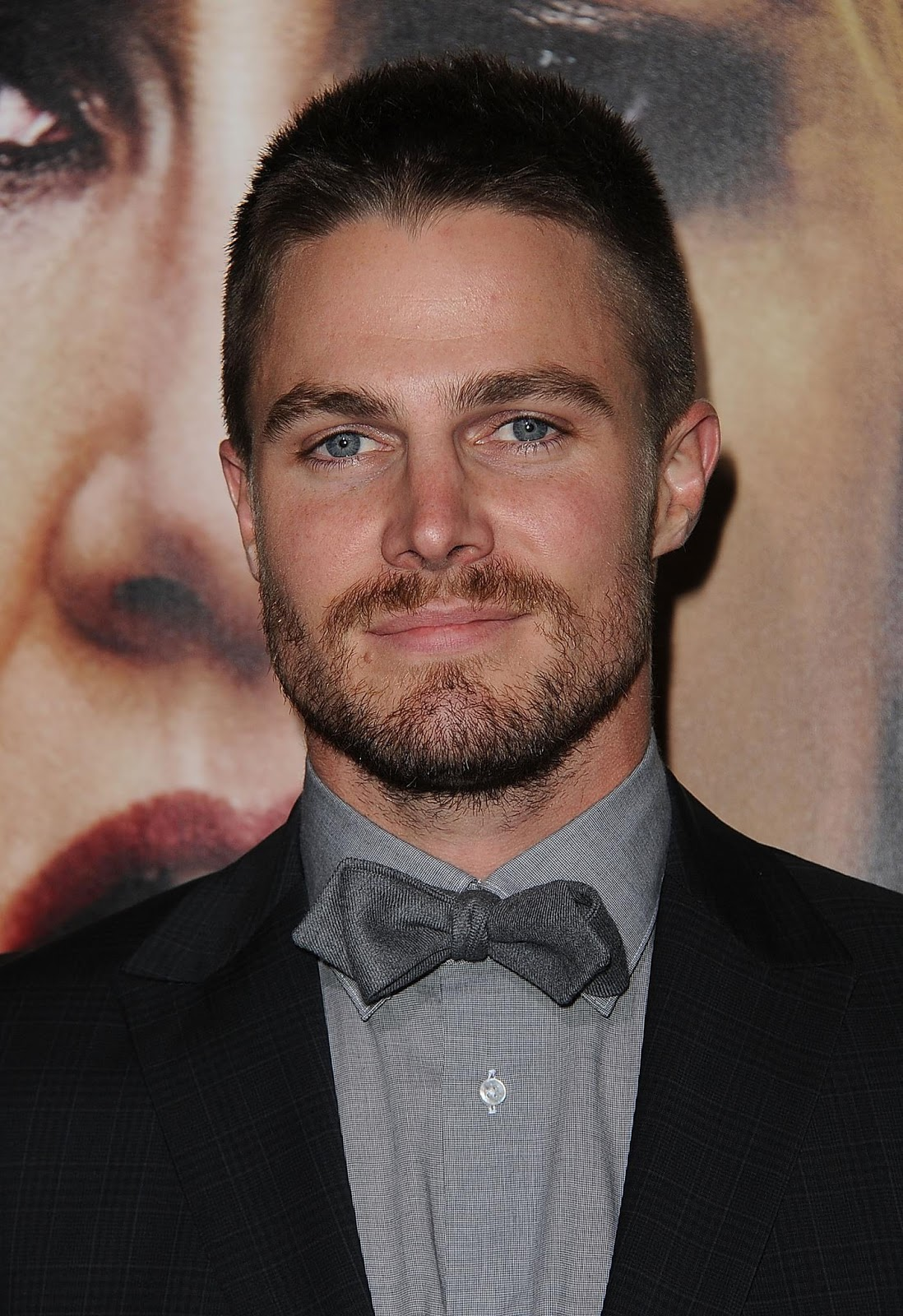 Stephen Amell Photos