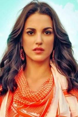 درة رزوق (Dorra Zarrouk)، ممثلة تونسية