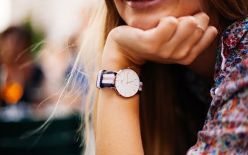 Wallpaper: Stylish Clock on Girl Hand