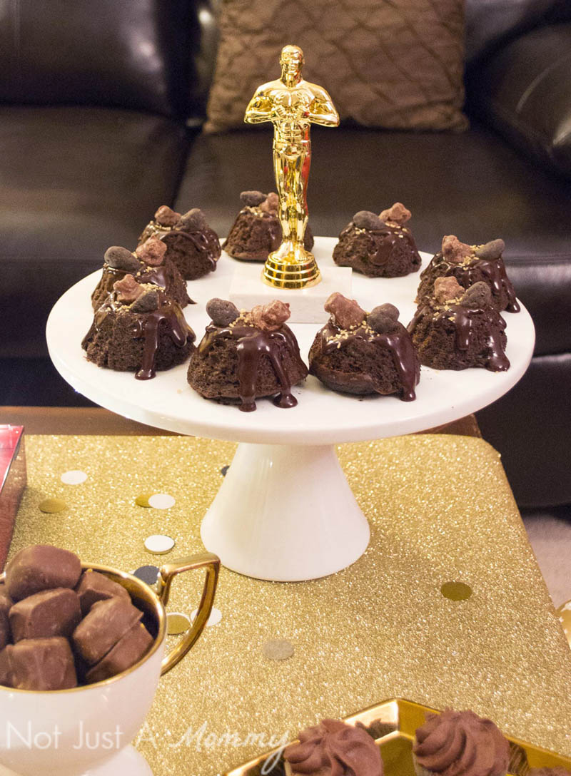 How To Host A Girls' Oscar Night Out Viewing Party; easy chocolate mini Bundts are easy to dress up