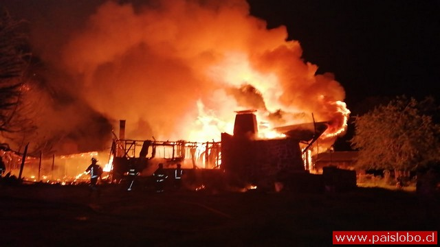 Osorno : Incendio destruye vivienda rural de madrugada