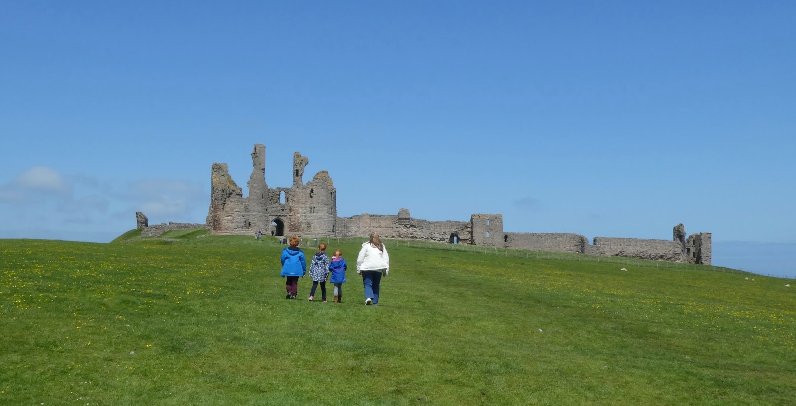 Northumberland Residents' Festival 2017 | Free & Discounted Entry to top attractions | 1st & 2nd April - Dunstanburgh Castle
