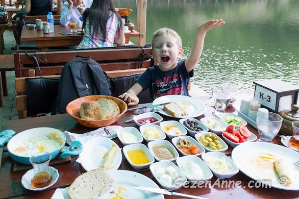 kahvaltı bahane, aile ve sevdiklerimizle geçirilen güzel zamanlar şahanedir, Saklıgöl Şile İstanbul