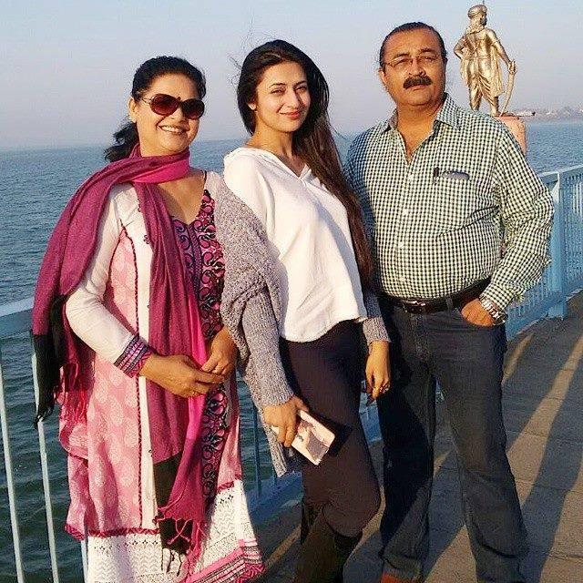 divyanka tripathi family 5