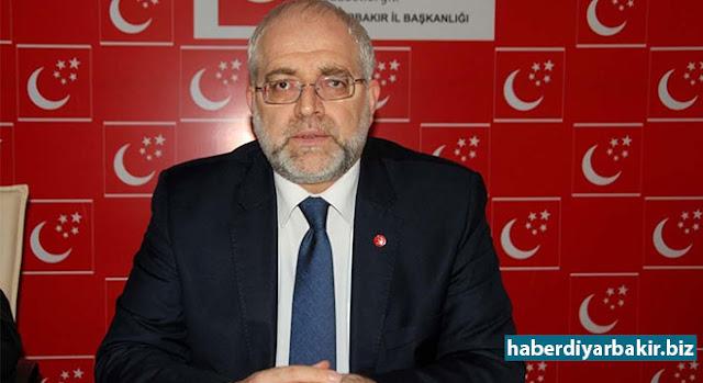 DİYARBAKIR-Ekonomiye ilişkin değerlendirmelerde bulunan Saadet Partisi Diyarbakır İl Başkanı Fesih Bozan, Türkiye ekonomisinin ciddi sıkıntılar içinde olduğunu belirtip üretimin önemine vurgu yaparak, başta Amerika olmak üzere Avrupa'nın bunu istemediğini söyledi.