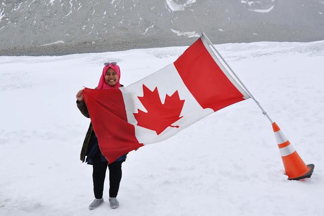 Farah H & Canadian Flag