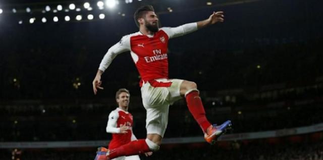 AGEN BOLA - Everton Bidik Giroud Dari Arsenal