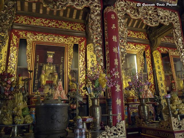 Interior Templo Đền Lý Bát Đế - Vietnam por El Guisante Verde Project