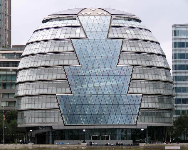 City Hall by Foster and Partners, The Queen's Walk, Southwark, London