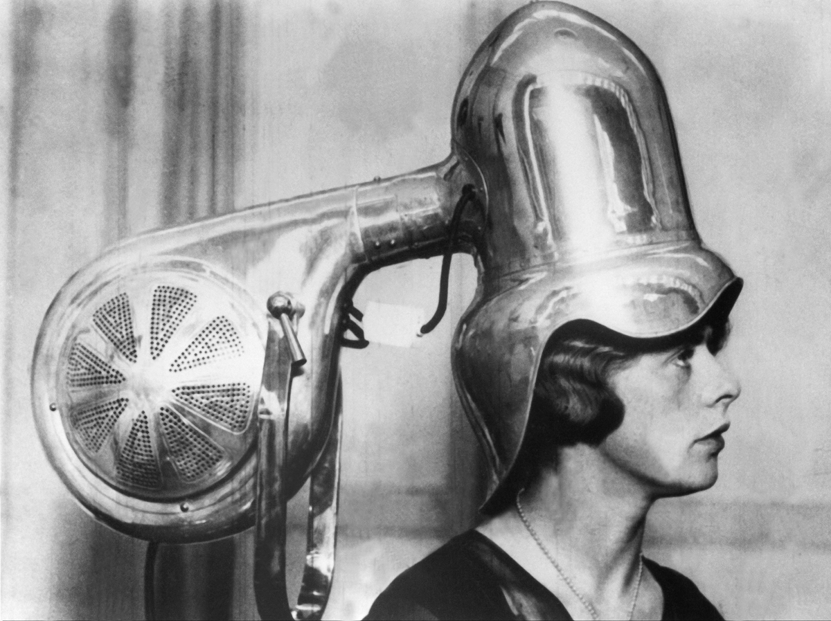 Vintage Beauty Salons 12 Hilarious Photos Of The Early Hair Dryers