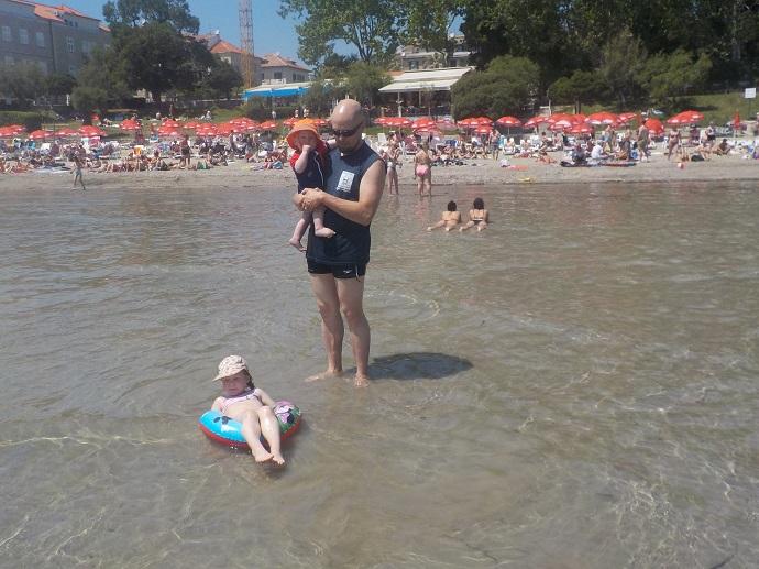 Splitin hiekkaranta sopii hyvin lapsiperheelle!