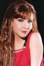 المغنية اللبنانية دارين حدشيتي Darine Hadchiti