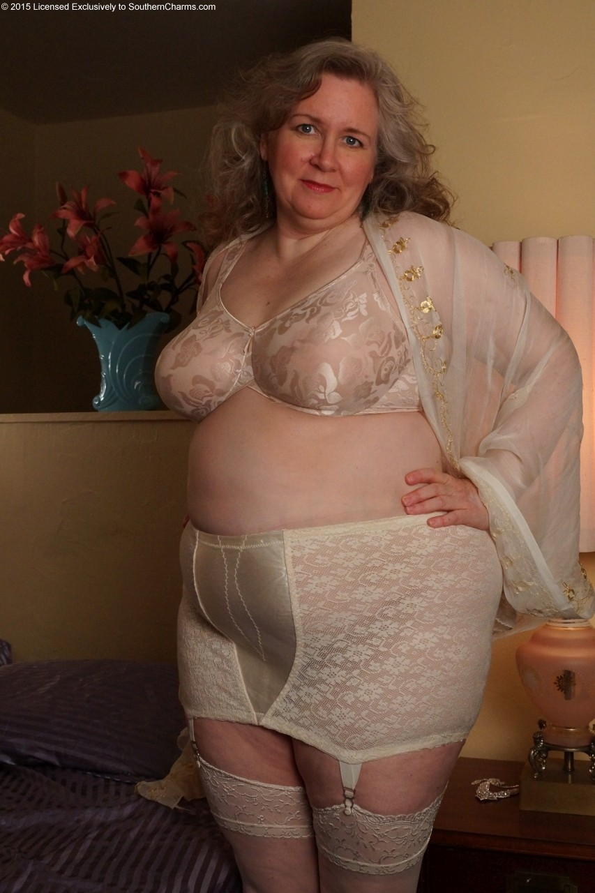 Sexy Ladies In Girdles