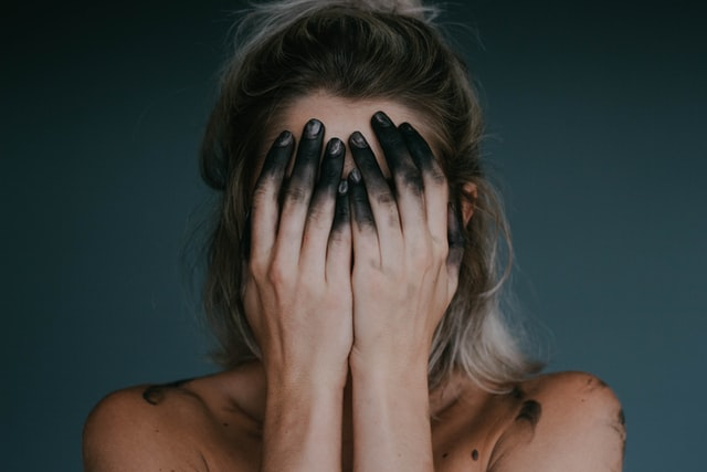 Avoid touching face to prevent covid-19 infection (HealthDiseaseBlog.com)