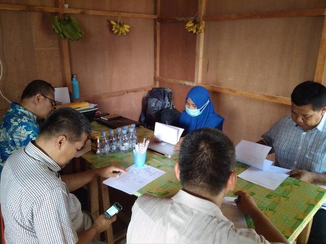 Rapat Mingguan Proyek Konstruksi UT Tarakan di Direksi Keet