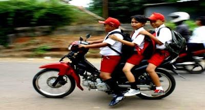 anak dibawah umur dilarang naik motor