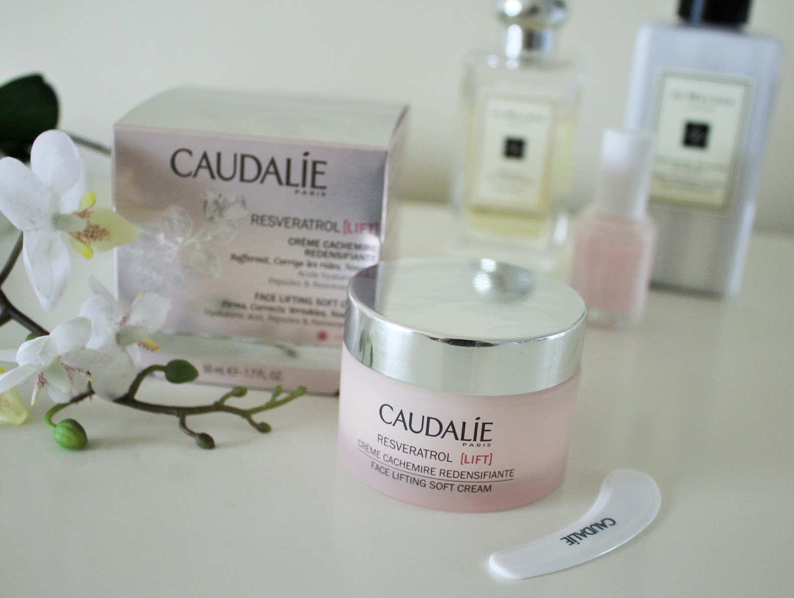 Caudalie Resveratrol Lift Face Lifting Soft Cream Review 2