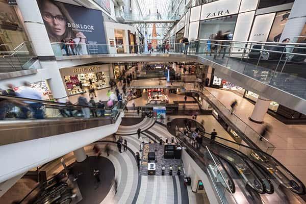 El Centro Comercial 2050: La Renovación Ha Llegado