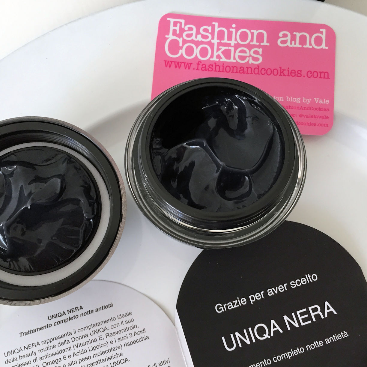 Uniqa Nera by Pea Cosmetics black anti-age night-time cream on Fashion and Cookies beauty blog, beauty blogger
