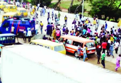"Policeman Stabs ""Agbero"" To Death Over N100 In Lagos"