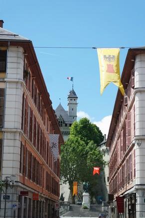 chambéry savoie vieille ville rue boigne château ducs