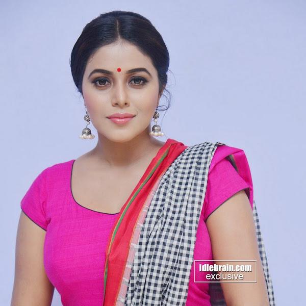 Shamna Kasim aka Poorna latest photos