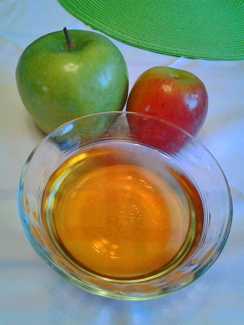 Living Healthy and Happy: Health Benefits of Apple Cider