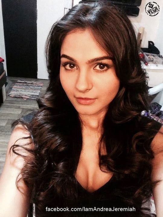 Andrea Jeremiah's Selfie Collections
