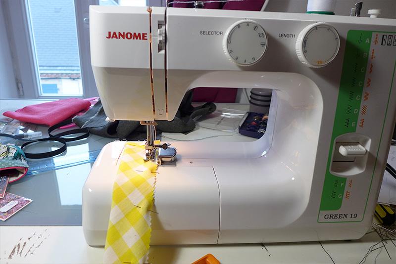 couture avec machine à coudre janome