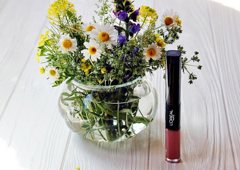 Стойкая помада и блеск для губ 2-в-1 L'Oréal Paris Infallible в оттенке #111 Permanent Blush / обзор, отзывы