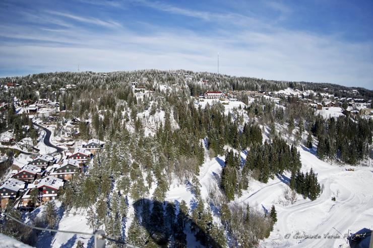 Vista desde el Holmenkollen, invierno en Oslo por El Guisante Verde Project