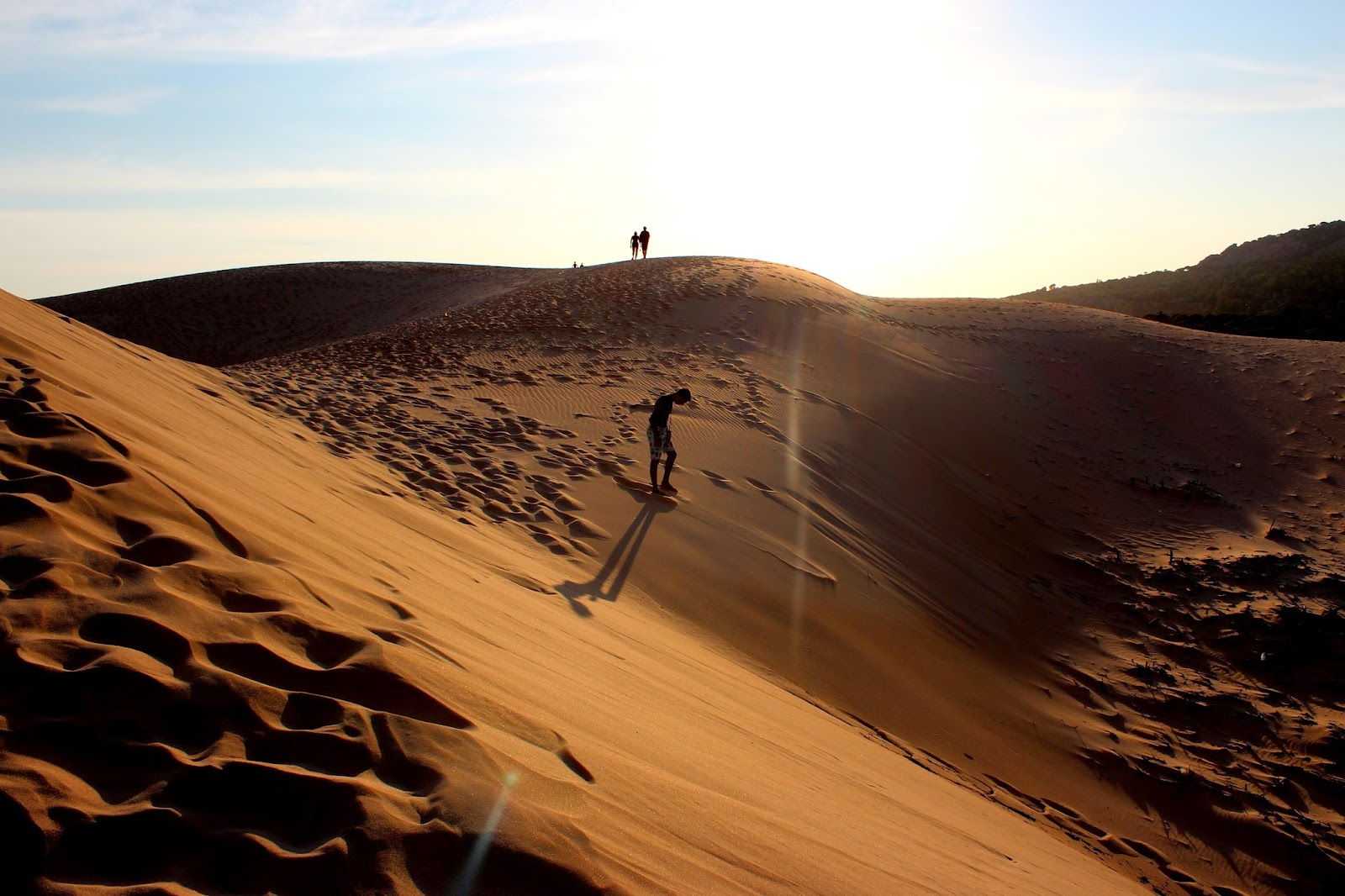 Niño en las dunas de Bolonia