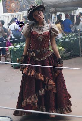 cast members, performers, The Nightmare Experiment, Hong Kong Disneyland, 2016 Halloween, 香港迪士尼樂園, Halloween Time, 反轉迪士尼, 詭夢實驗室, 大街詭異酒店, Main Street Haunted Hotel