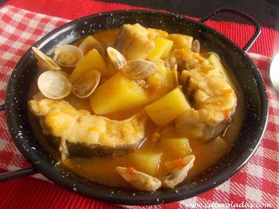 congrio con patatas y almejas