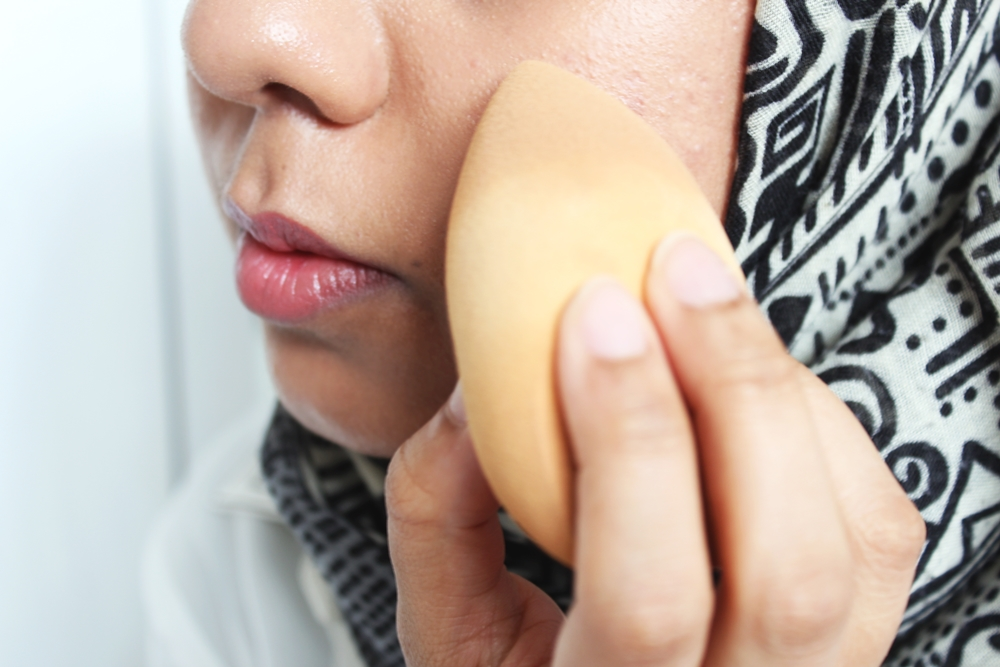 Why I Love Sponges To Apply My Makeup