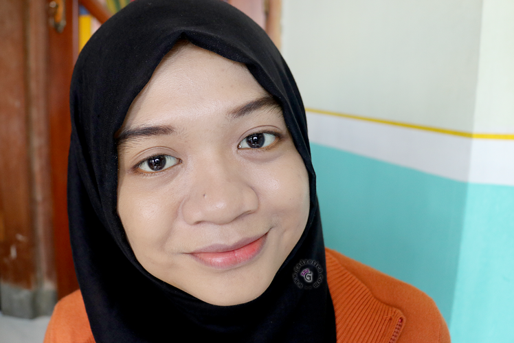 Marina Smooth & Glow UV Two Way Cake and BB Cream Review