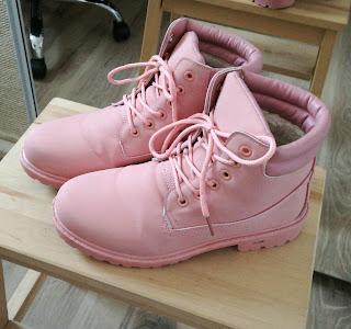 różowe timberki, buty na końcówkę ciąży
