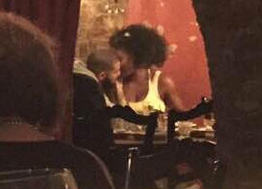 serena williams drake kissing