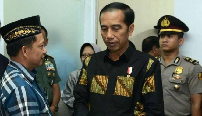 Jokowi Hati-hati Kalau Membuat Status di Sosmed