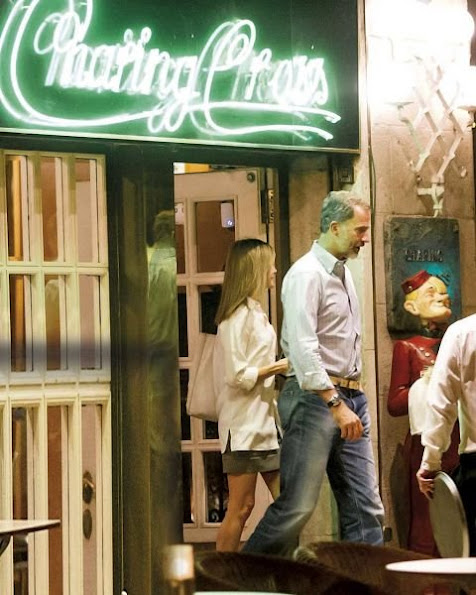 "King Felipe and Queen Letizia watched movie of ""high life"" (Café Society), and at ""Charing Boss"" bar, style of Letiza, letiza fahions"